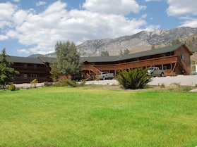 Corral Creek Lodge