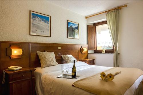 Hotel Coeur du Village, La Thuile: Hotelbewertungen 2019 ...