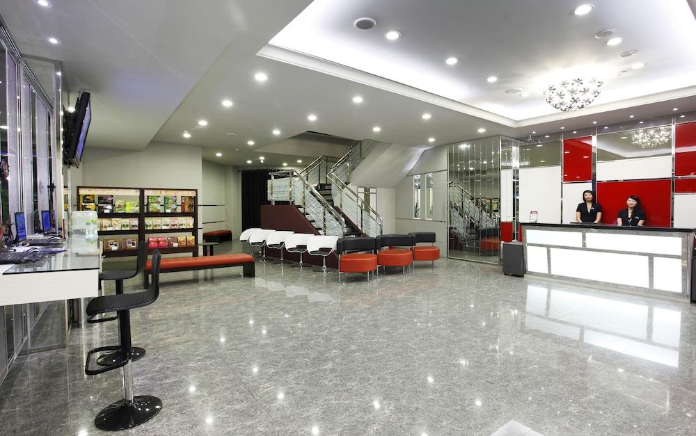 「yoyo hotel chiayi」的圖片搜尋結果
