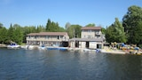 Sauble River Marina & Lodge Resort - Sauble Beach Hotels
