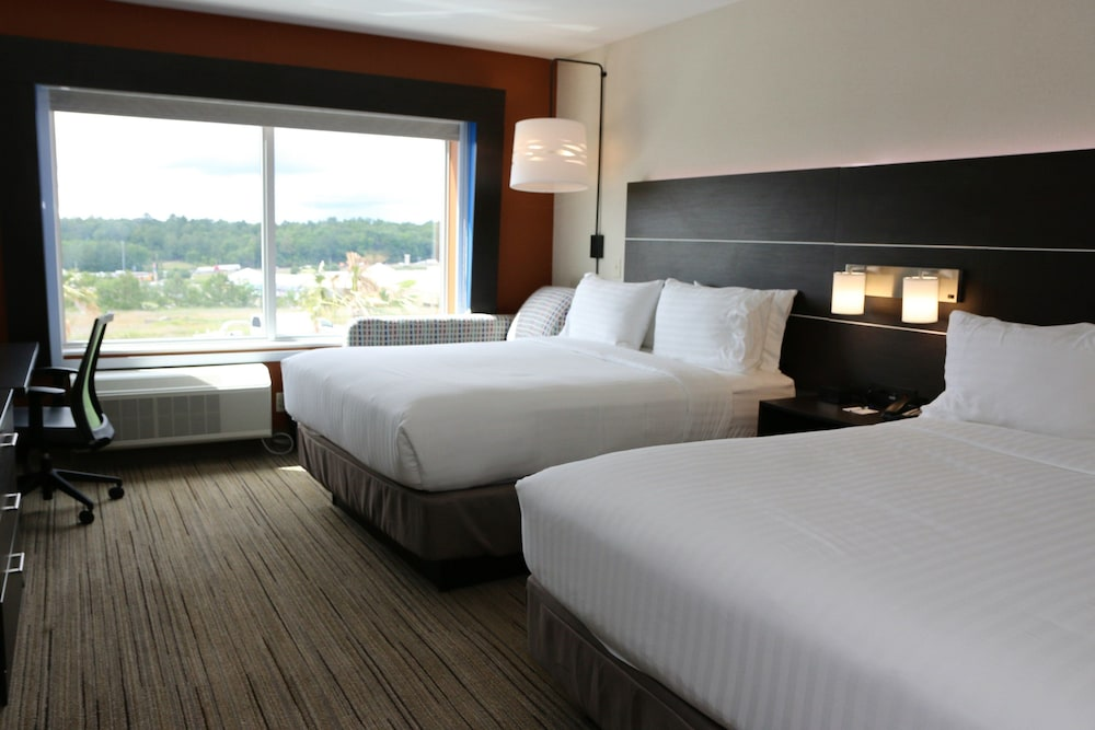Room, Holiday Inn Express & Suites Alabaster, an IHG Hotel