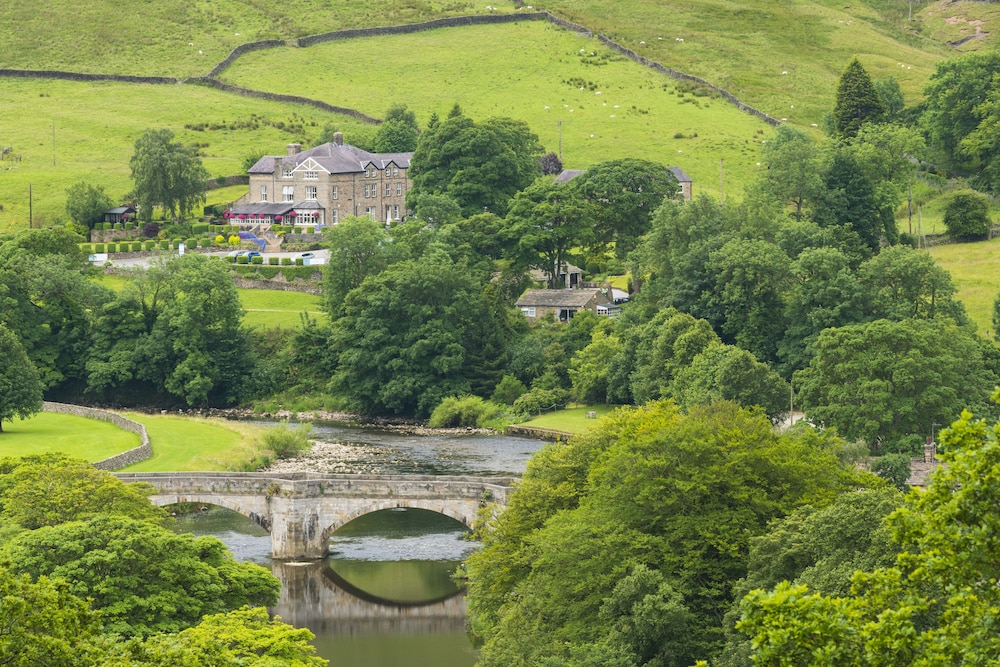 The devonshire fell hotel reviews photos rates for The devonshire