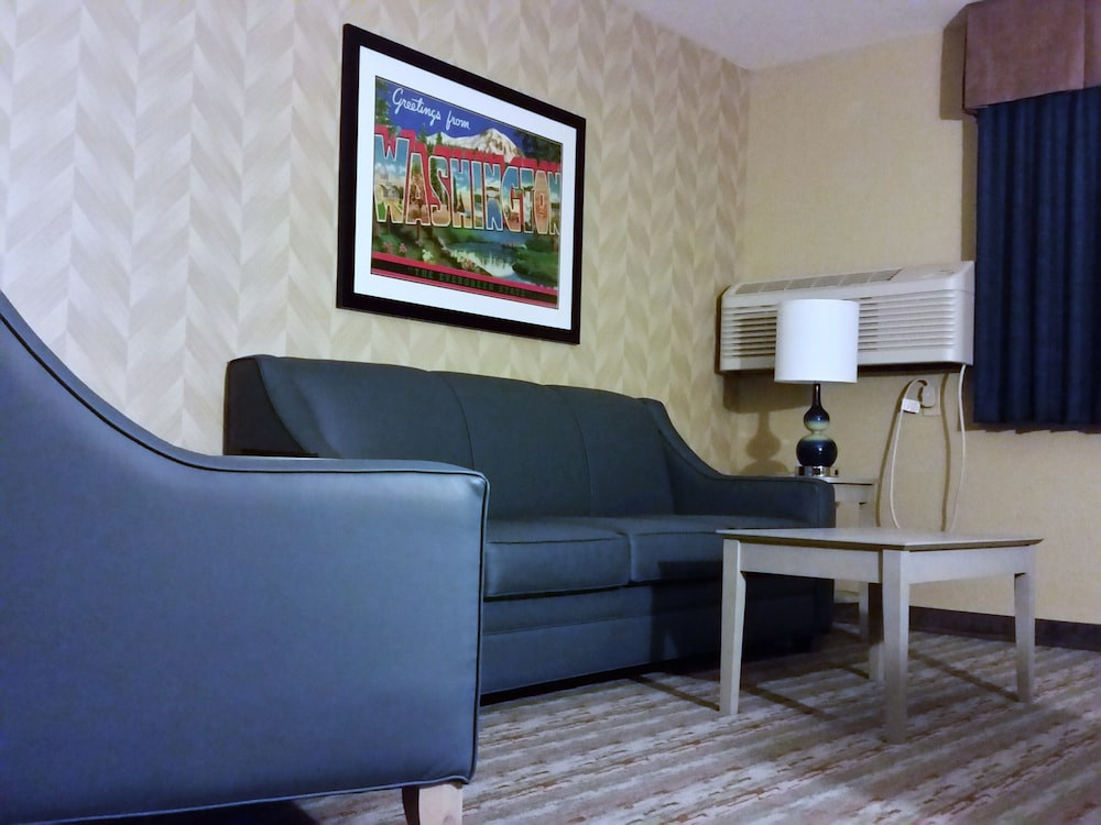 Room, SilverStone Inn & Suites Spokane Valley