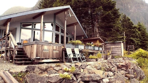 Reel Obsession Fishing Lodge Vancouver Island- All Inclusive