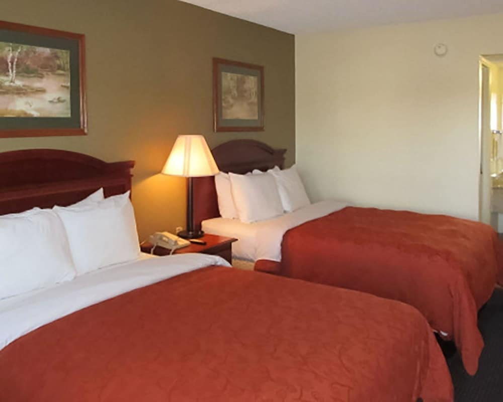 cozy corner: a boutique hotel in south carolina essay Hyatt place charleston/historic district, charleston picture: hyatt place charleston cozy corner - check out tripadvisor members' 41,846 candid photos and videos of hyatt place charleston/historic district.