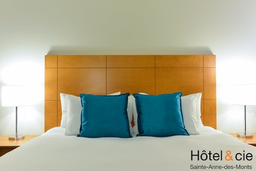 Check Expedia for Availability of Hôtel & cie