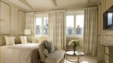 Hotel Le Narcisse Blanc & Spa - Paris Hotels