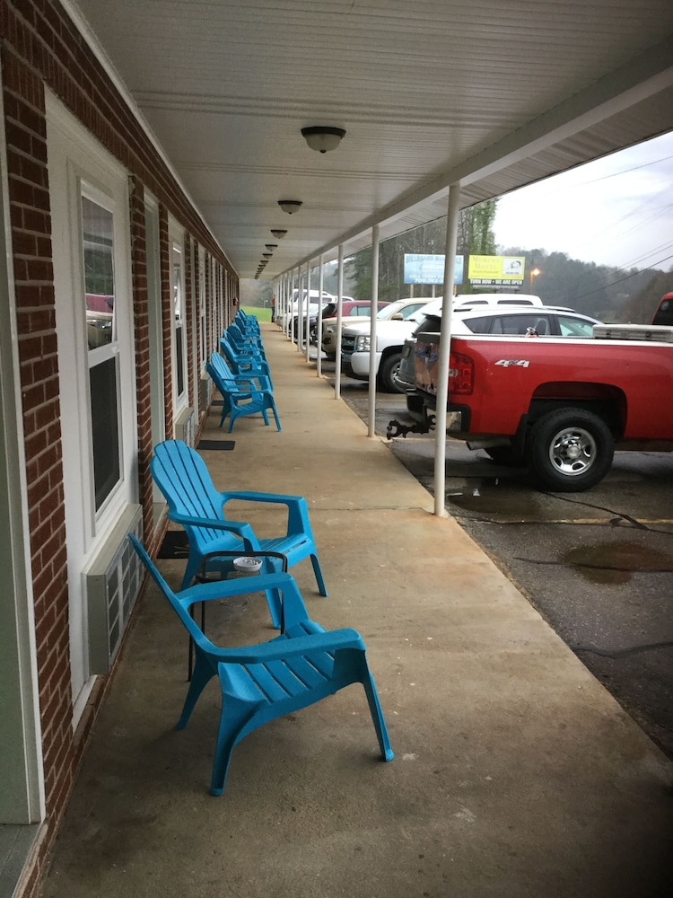 Terrace/Patio, Murphy Motel