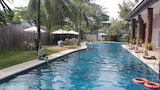 Wild Orchid Beach Resort - Olongapo Hotels