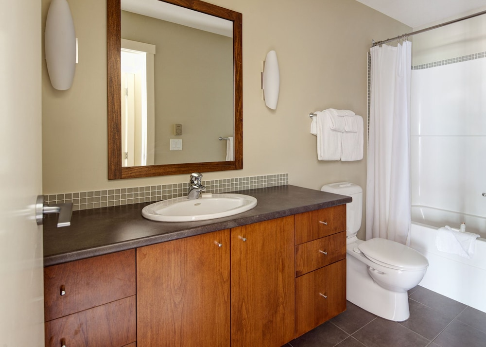 Bathroom, Panorama Mountain Resort - Premium Condos and Townhomes