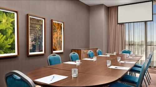 Hilton garden inn montgomery eastchase 2019 room prices 115 deals reviews expedia for Hilton garden inn eastchase montgomery al