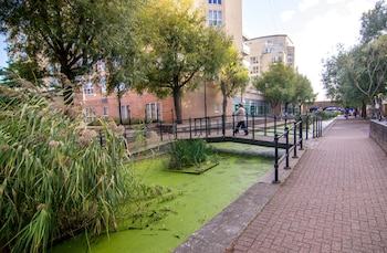 Apartment Wharf – Water Gardens