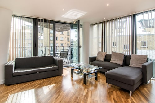 Apartment Wharf – Canary South