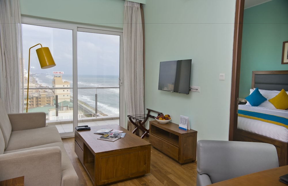 Living Room, Ocean Edge Suites & Hotel Colombo