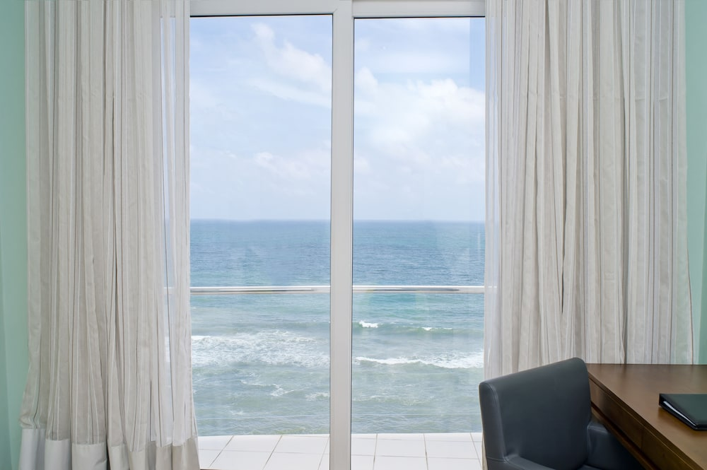 View from Property, Ocean Edge Suites & Hotel Colombo
