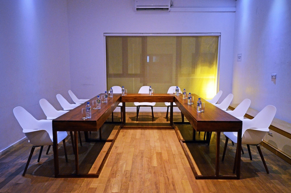 Meeting Facility, Ocean Edge Suites & Hotel Colombo