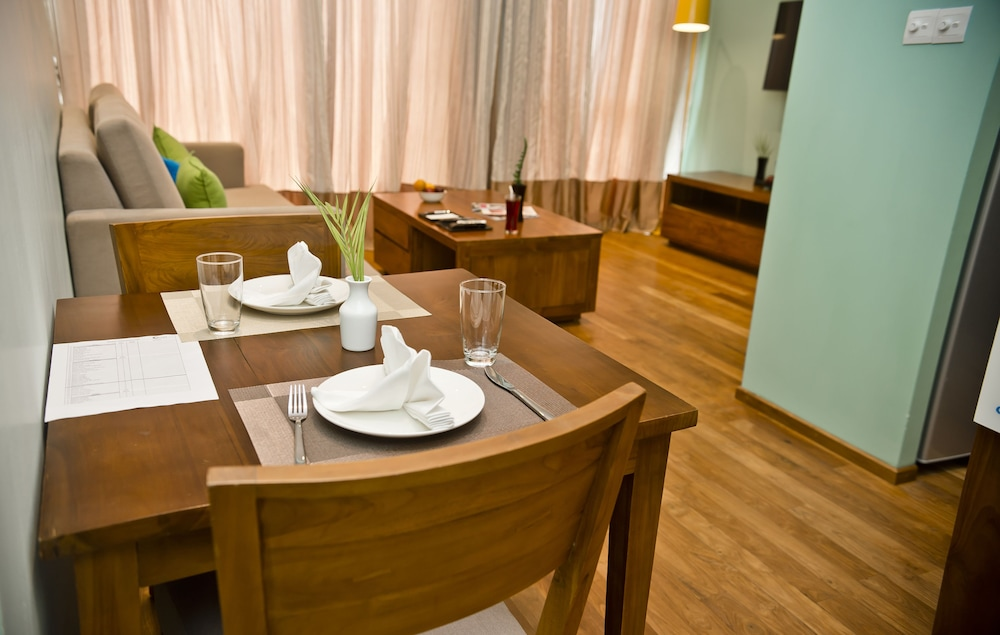 In-Room Dining, Ocean Edge Suites & Hotel Colombo