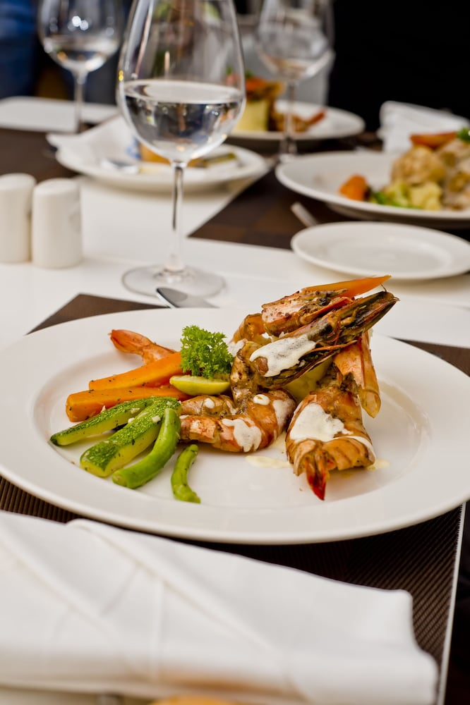 Food and Drink, Ocean Edge Suites & Hotel Colombo