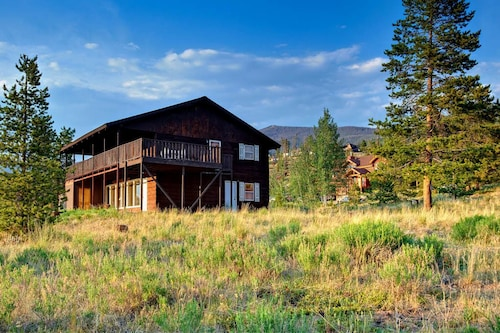 Adkins House by Bighorn Rentals