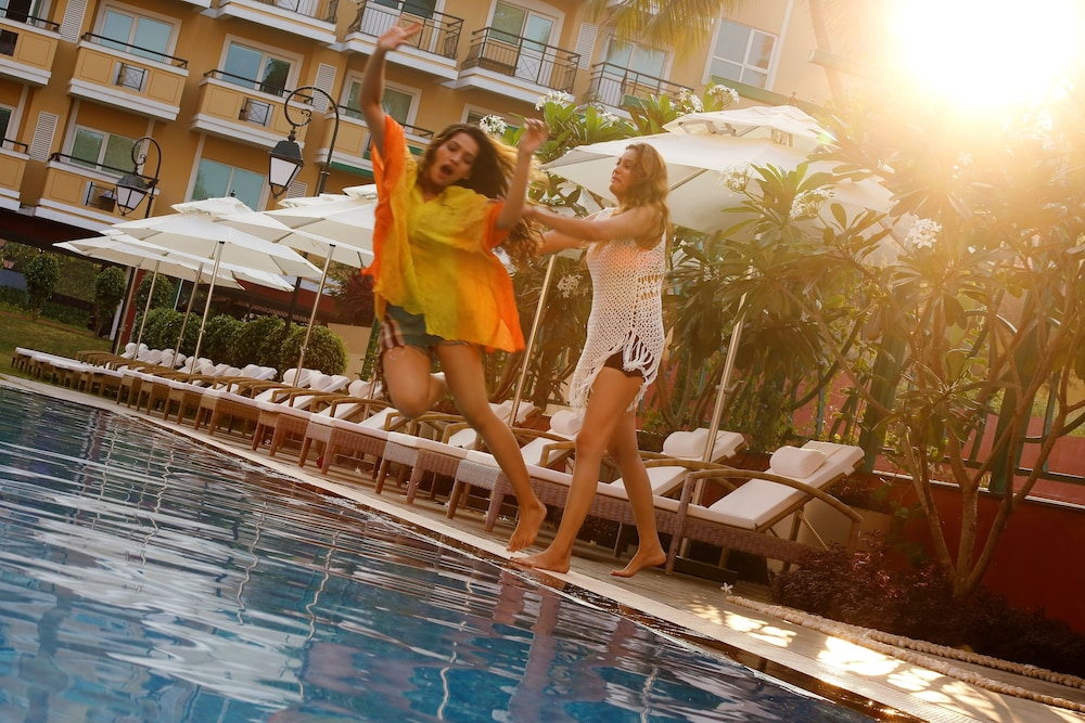 Outdoor Pool, ibis Styles Goa Calangute - An AccorHotels Brand