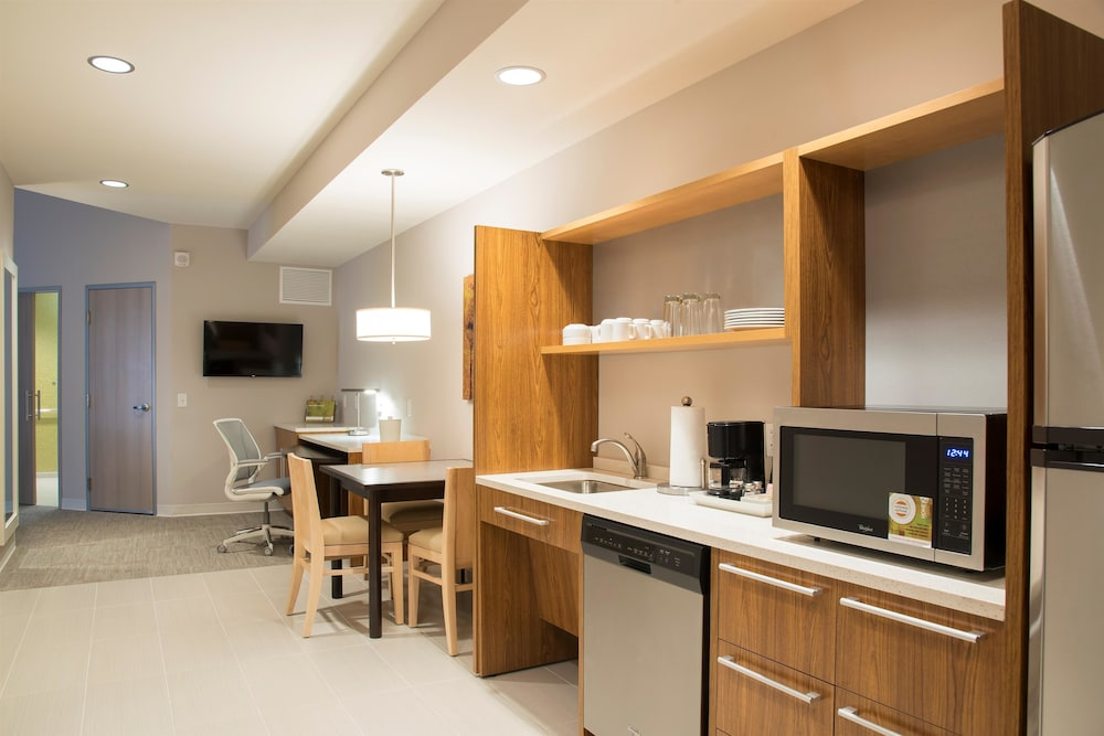 Private Kitchen, Home2 Suites by Hilton Indianapolis Downtown