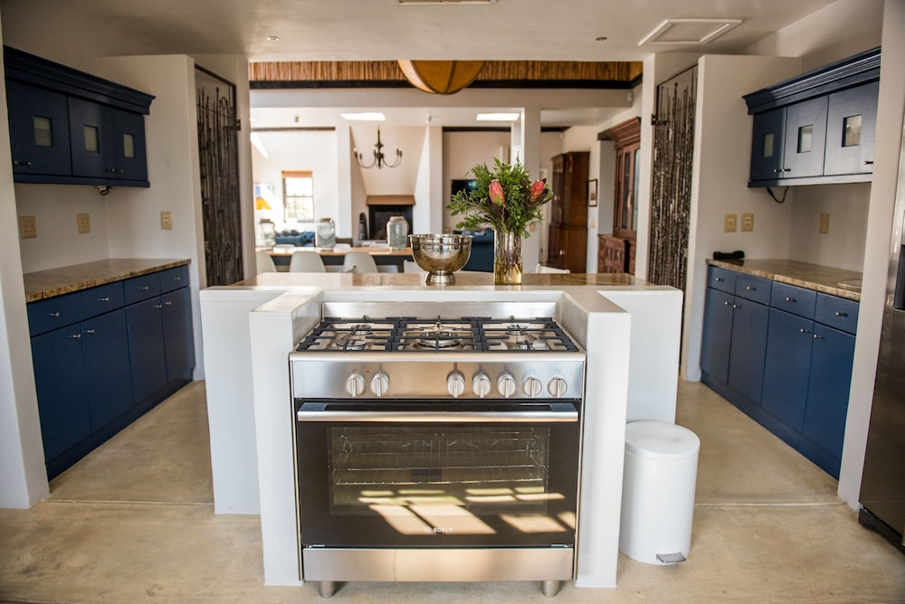 Private Kitchen, White Water Farm
