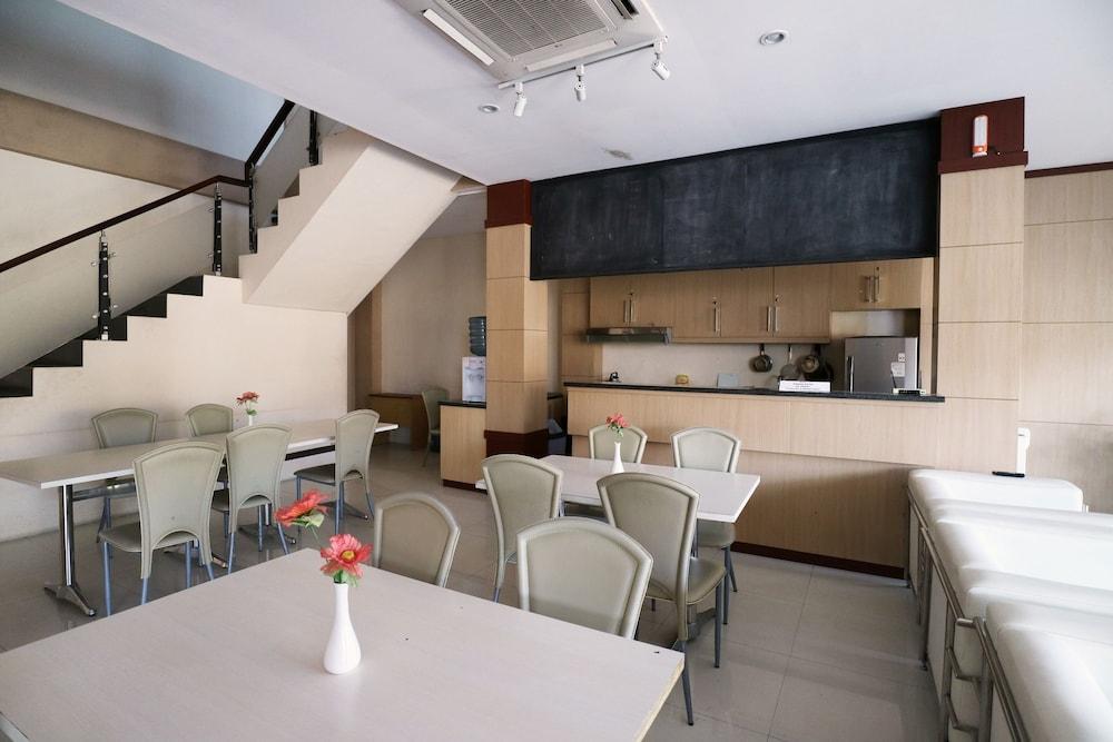 tembok batu residence reviews photos rates