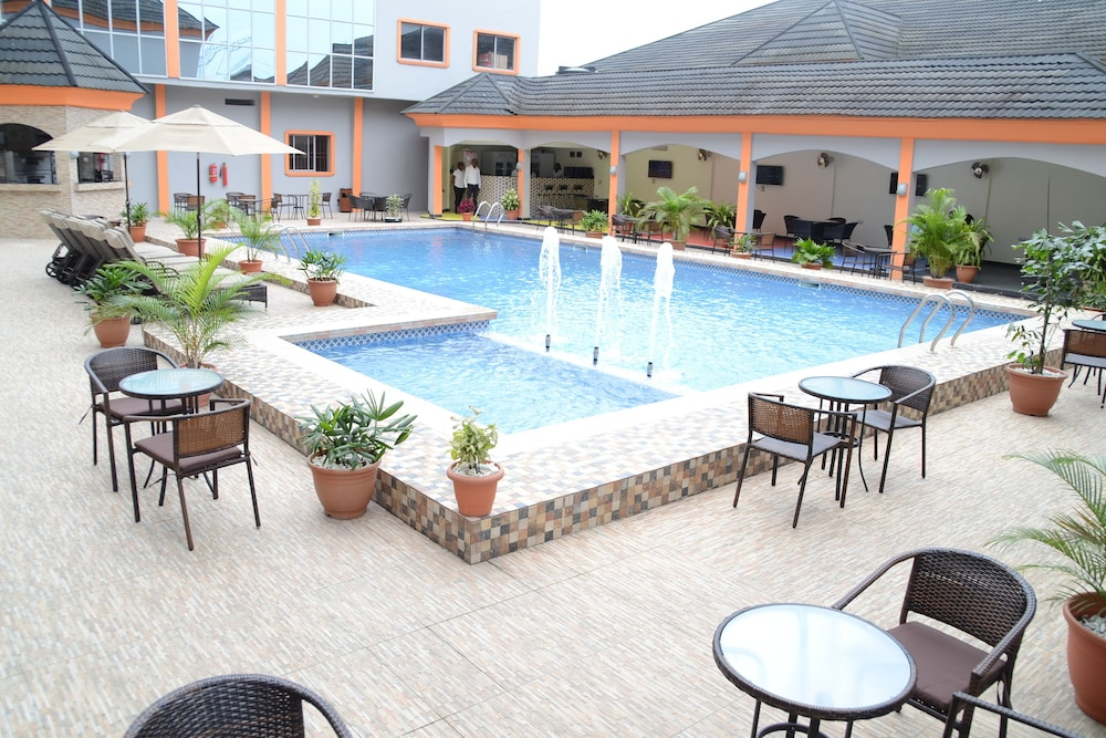 Pool, Warri Wetland Hotel