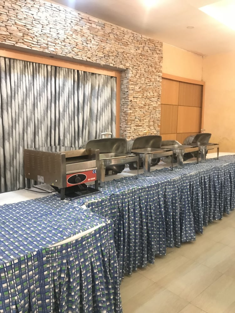 Breakfast buffet, Warri Wetland Hotel