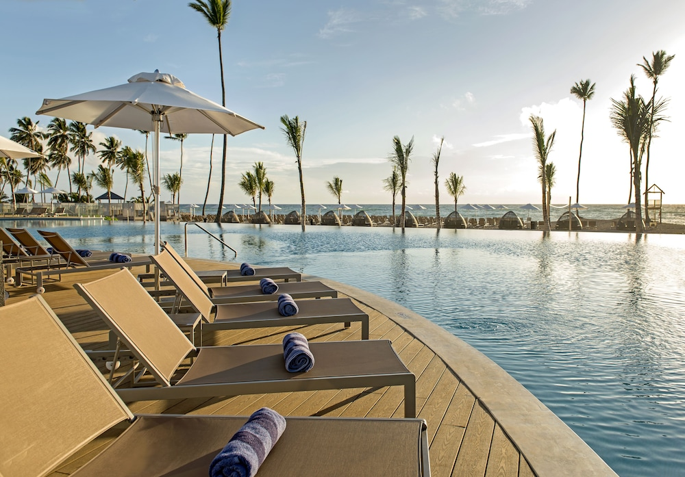Infinity Pool, Nickelodeon Hotels & Resorts Punta Cana, Gourmet All Inclusive by Karisma