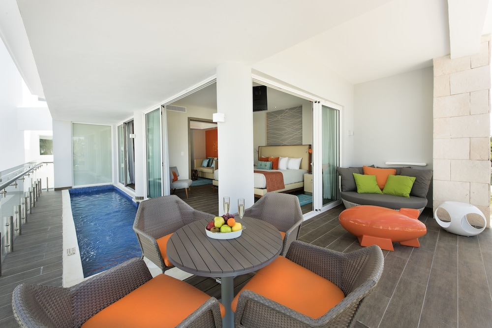 Terrace/Patio, Nickelodeon Hotels & Resorts Punta Cana, Gourmet All Inclusive by Karisma