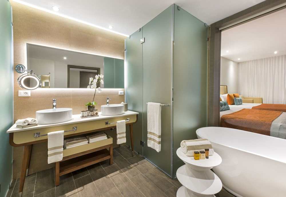 Bathroom, Nickelodeon Hotels & Resorts Punta Cana, Gourmet All Inclusive by Karisma