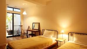 ผ้าม่านกันแสง, เตารีด/โต๊ะรีดผ้า, Wi-Fi ฟรี, ผ้าปูที่นอน