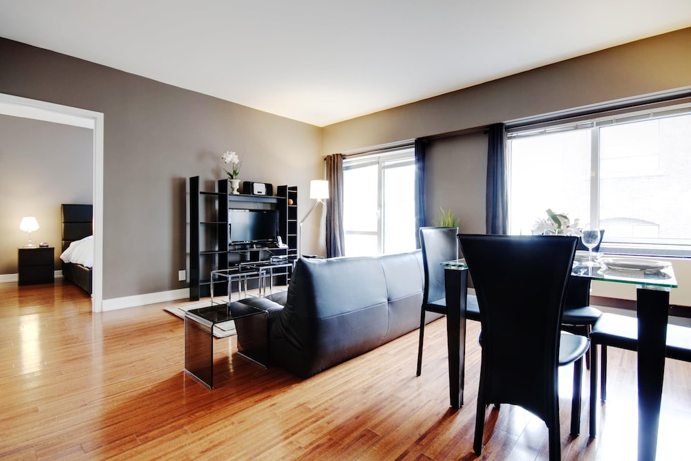 Book mosaique apartments by corporatestays montreal for Appart hotel montreal