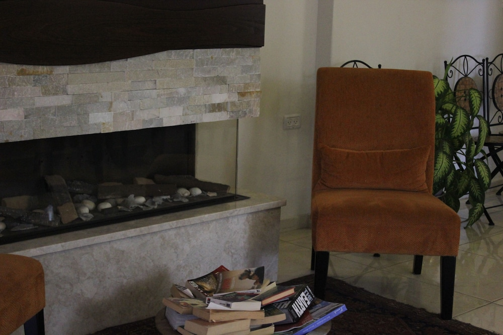 Lobby Sitting Area, Lavender Boutique Hotel