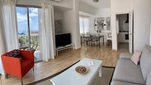 Una televisión de pantalla plana
