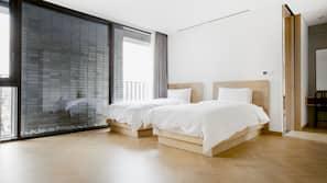 房內夾萬、窗簾、隔音、摺床/加床 (收費)