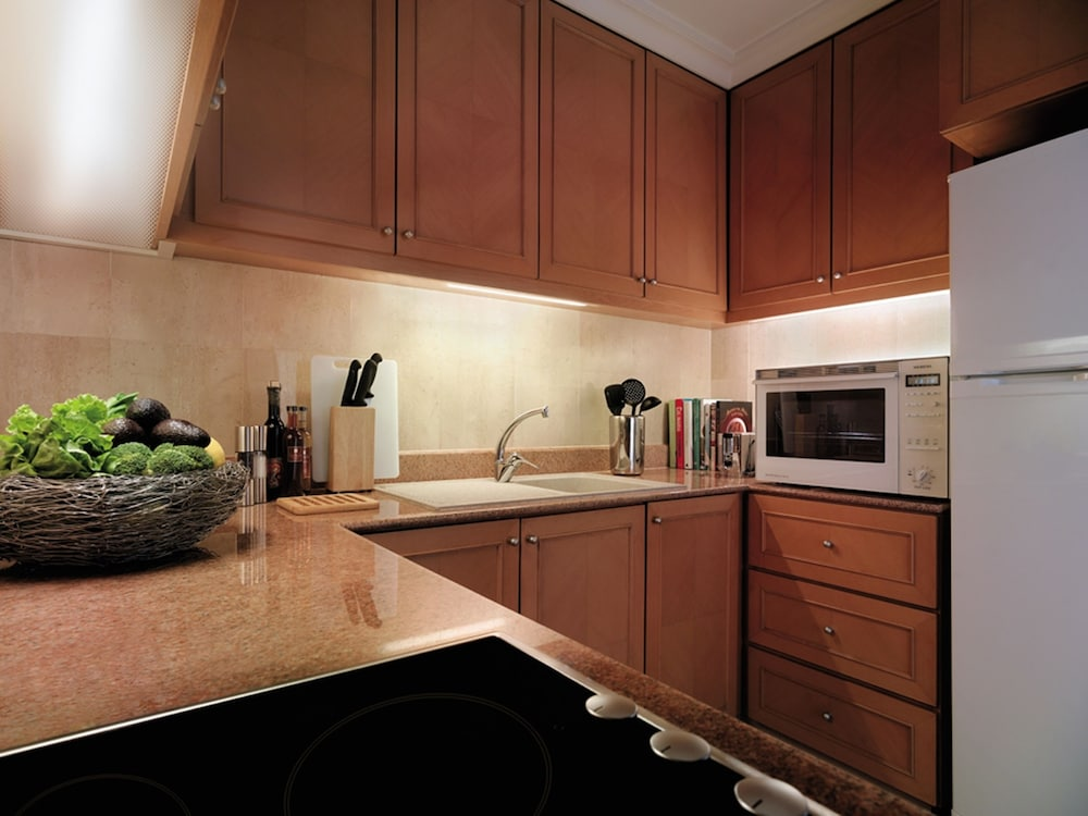 Private Kitchen, Shangri-La Apartments
