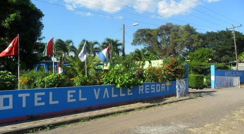 Front of Property, Hotel el Valle