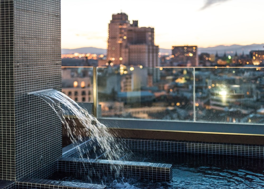Rooftop Pool, SmartRental Collection Gran Via Capital