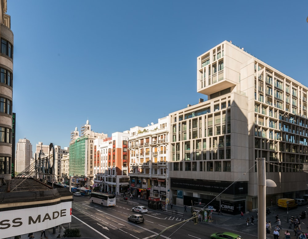 Front of Property, SmartRental Collection Gran Via Capital