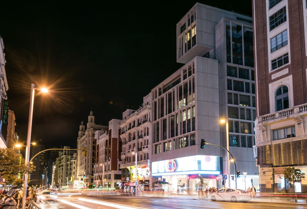 Front of Property - Evening/Night, SmartRental Collection Gran Via Capital