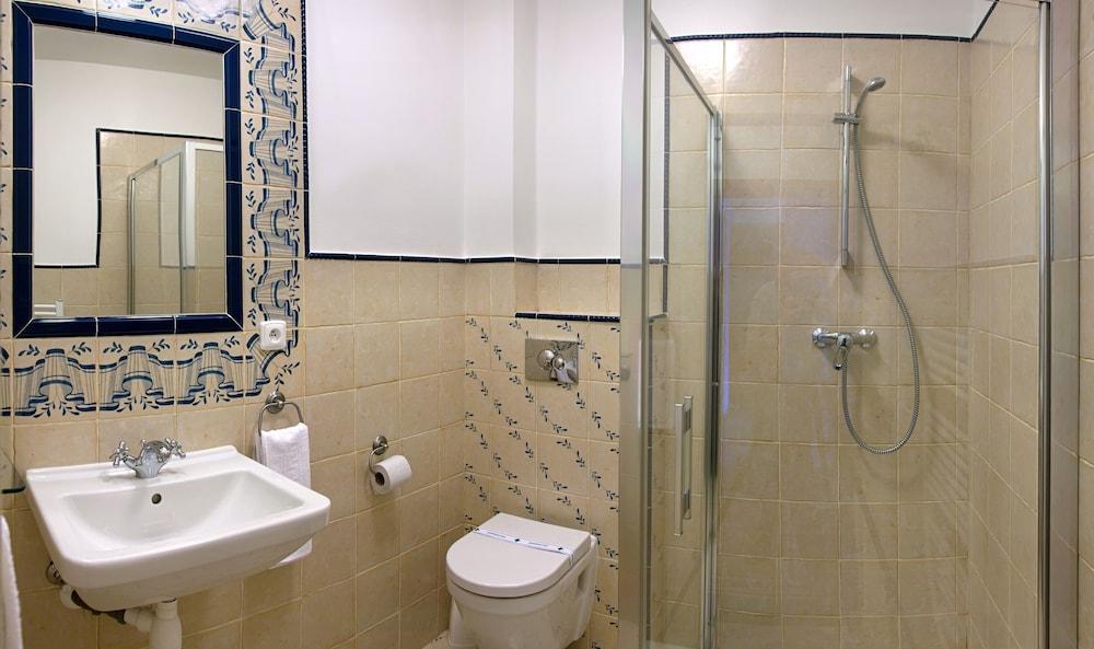 Pension pod v 2017 room prices deals reviews expedia for Bathroom e pod mara