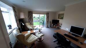 Télévision LED, ordinateur