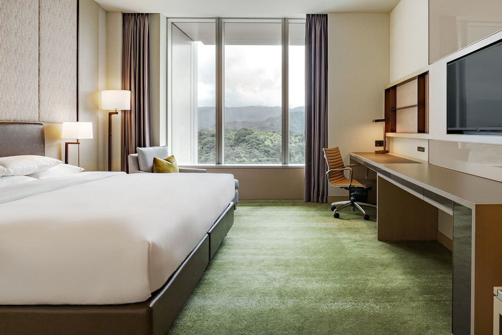 Room, Courtyard by Marriott Taipei