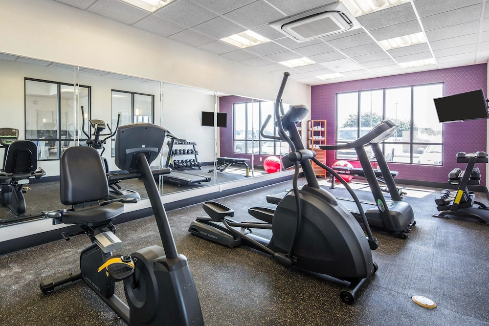 Fitness Facility, Comfort Inn & Suites