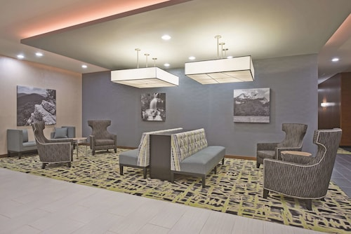 La Quinta Inn & Suites by Wyndham Morgantown