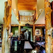 Yellowstone River Lodge