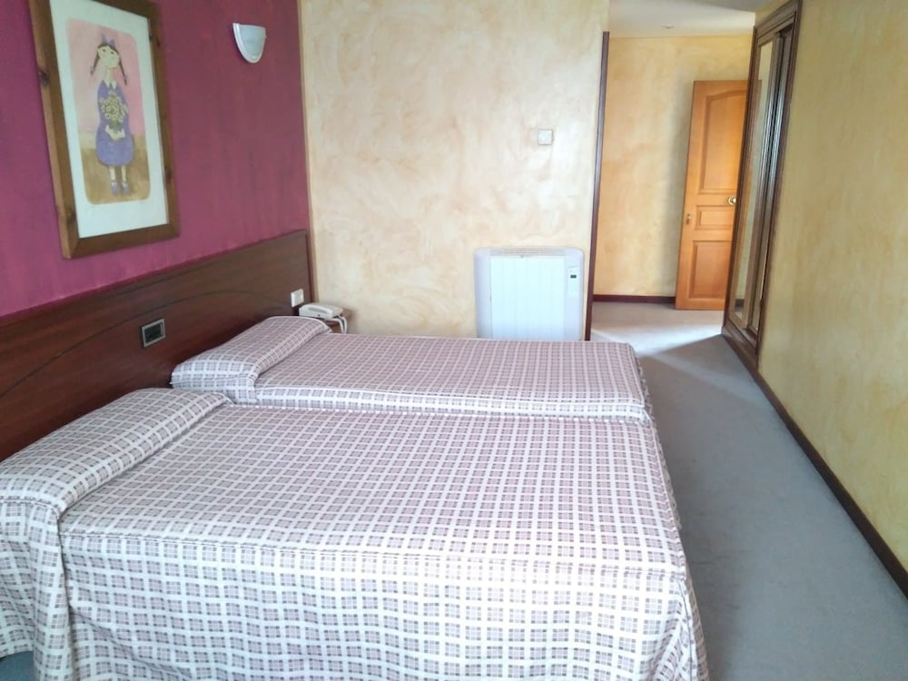 Nava Camere Da Letto.Villa De Nava Nava Spagna Expedia It