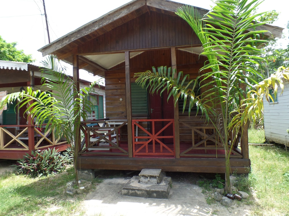 beach road cottages at jah bs in negril | hotel rates & reviews on
